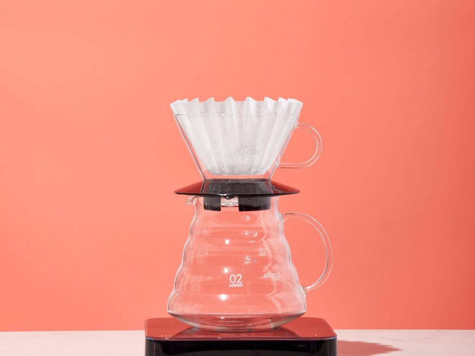 Kalita Wave with filter sits on a range server and scale